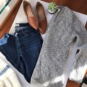 Old Navy heather grey sweater